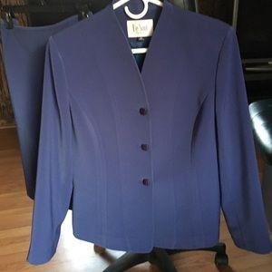 Le Suit Skirt Suit Size 12P